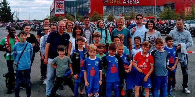 F-Jugendkicker des FC Metternich waren Einlaufkinder beim Bundesligaspiel in Mainz