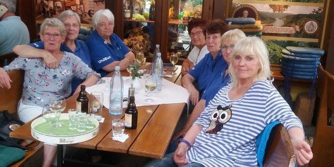 """Möhnenclub """"Die Zufälligen"""" feierten im Weinhaus Reif"""